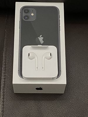 EarPods with 3.5 mm Headphone Plug for Sale in Jurupa Valley, CA