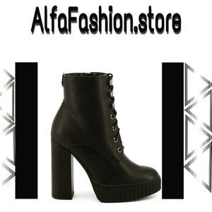 Amazing ankle boots. www.alfafashion.store for Sale in North Miami, FL