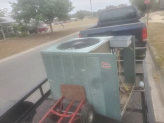 RUUD AC UNIT for Sale in Kerrville,  TX
