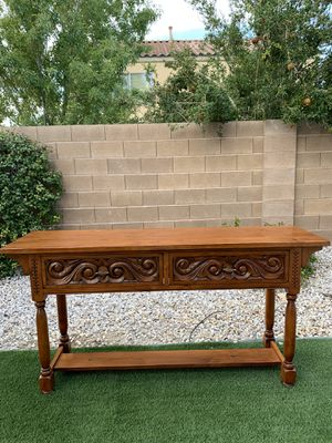 18X66 TALL35 EXCELLENT CONDITION BEAUTIFUL OAK WOOD SOFA TABLE ( FREE DELIVERY 🚚 FIRM PRICE $400 ) FLOOR MODEL for Sale in Las Vegas, NV