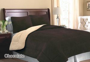 King size 3pcs Premium Thick Borrego Blanket Set for Sale in Brooks, OR