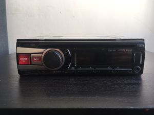 Alpine CDE-151 Car Stereo for Sale in Los Angeles, CA