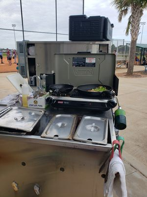 Hot dog cart for Sale in Gulfport, FL