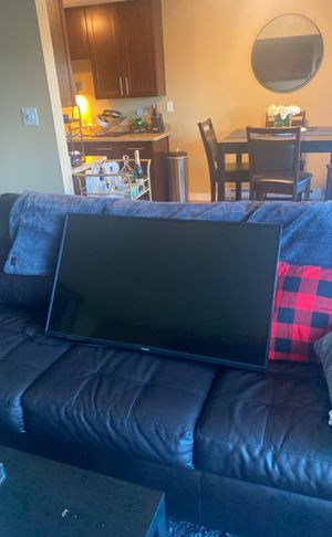 40 Inch TV Toshiba for Sale in Seattle, WA