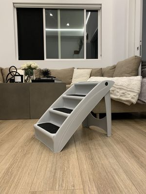 PupSTEP Plus Pet Stairs for Sale in Los Angeles, CA