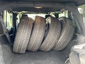 5 brand new Jeep wheels & tires for Sale in Houston, TX