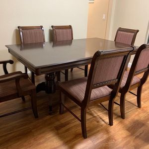 Dining Table for Sale in La Mesa, CA