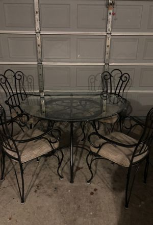 Table w/ 4 chairs for Sale in Lutz, FL