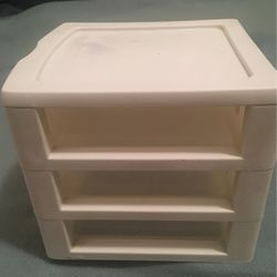 Sterilite Make Up Drawer for Sale in Columbus,  OH