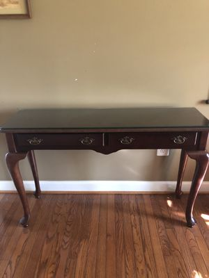 Cherry console table for Sale in Ellicott City, MD