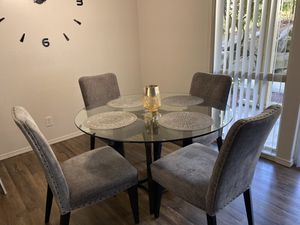 Dining table 5pc for Sale in Bellevue, WA
