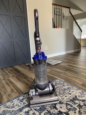 Dyson Bagless Vacumn with attachments for Sale in Phoenix, AZ