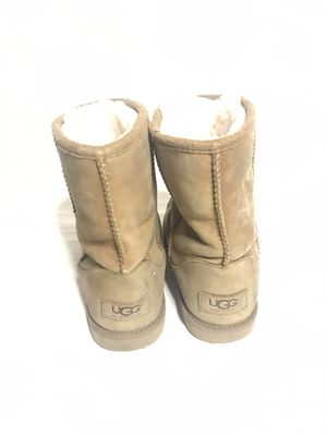 UGG girls boots size 4 for Sale in Los Angeles, CA