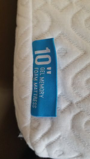 "Gel Memory Foam Mattress 10"" w/ removable cover for Sale in Arlington, VA"