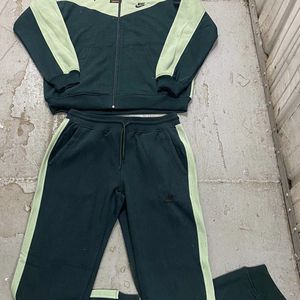 Nike Sweatsuits (ALL COLORS) for Sale in Washington, DC