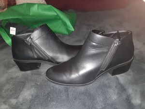 Brand new black work boots or casual boots super cute with skinny jeans for Sale in Columbus, OH