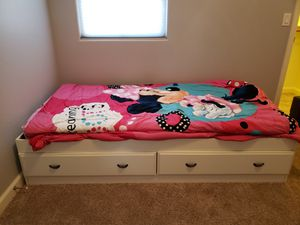 Twin bed/ dressor for Sale in Mesa, AZ