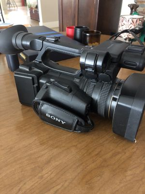 Sony NXCAM Handycam EXMOR 3cmos for Sale in San Jose, CA