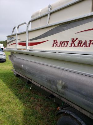2008 Party Kraft Luxury Pontoon Fishing Boat for Sale in Lincoln, NE