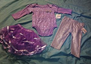🎃Baby Girl Silver Sparkly Outfit🎃 for Sale in Anaheim, CA