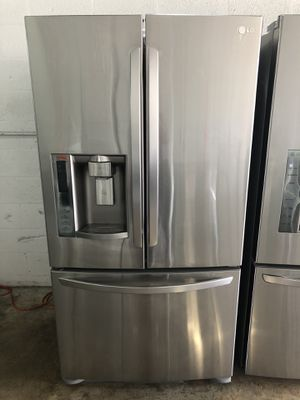 "LG REFRIGERATOR 36"" Works great and warranty for 3 month Funcionando bien y garantía de 3 meses Delivery and installation available for Sale in Hialeah, FL"