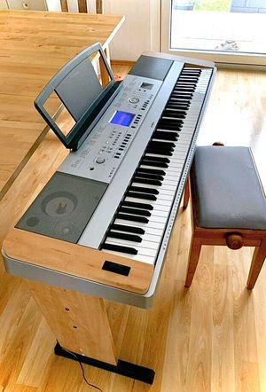 Yamaha DGX600 portable digital grand piano.88 keys never really used for Sale in Smithfield, RI
