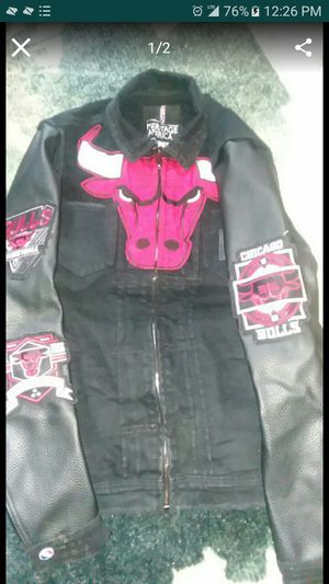 Leather in jean jacket (Fresh) Medium for Sale in Alexandria, VA