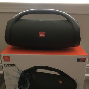 JBL Boombox (Army Green) for Sale in Gallatin, TN