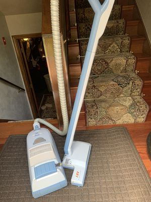 Electrolux vacuum for Sale in Taunton, MA
