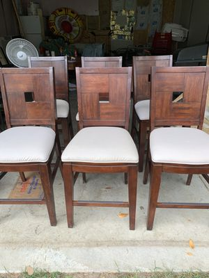 Set of 6 kitchen table chairs for Sale in Walled Lake, MI