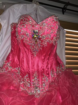Prom / quinceañera pink dress size 4 for Sale in Raleigh, NC