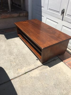 Pottery barn coffee table for Sale in Torrance, CA