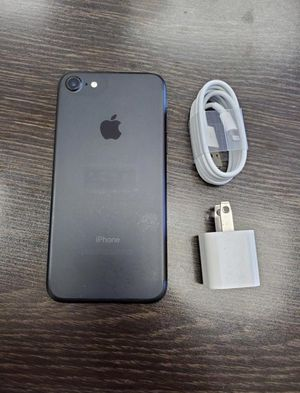 iPhone 7 128GB Like New ( Unlocked for any carrier ) for Sale in Silver Spring, MD