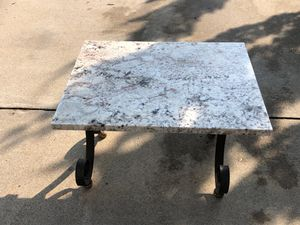 Outdoor marble coffee table for Sale in Woodbridge, VA