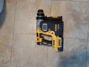 Dewalt roto hammer 18vt xr con 1 bateria no charge semi nuevo for Sale in Sunnyvale, CA