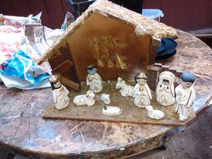 Christmas tree decoration HOME holiday/CREXIMIENTO CASA for Sale in Riverside, CA