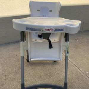 Evenflo Slide N Serve Adjustable High Chair for Sale in Fremont, CA