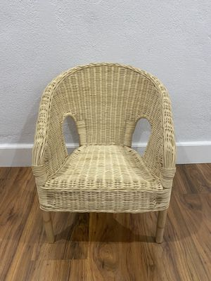 CRAZY CUTE toddlers and kids wicker chair for Sale in Scottsdale, AZ