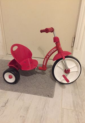 Radio flyer tricycle. for Sale in Chicago, IL