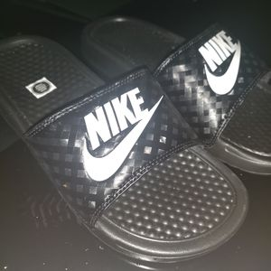 Nike slides for Sale in Tacoma, WA