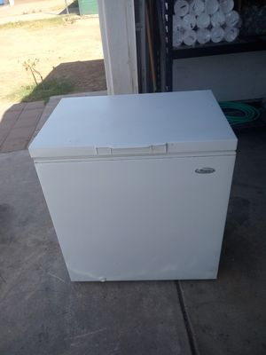 Whirlpool freezer frost-free for Sale in Phoenix, AZ