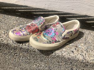 Super Cute Embroidered Vans Shoes*Size 5.5* Embroidery frays a bit. You can trim it and they still look great! for Sale in Puyallup, WA