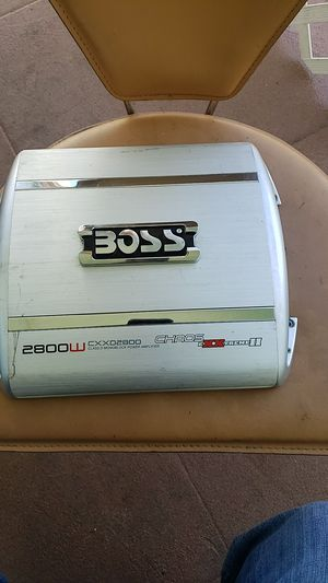 Amplificador de 2800 W en muy buen estado for Sale in Vernon, CA