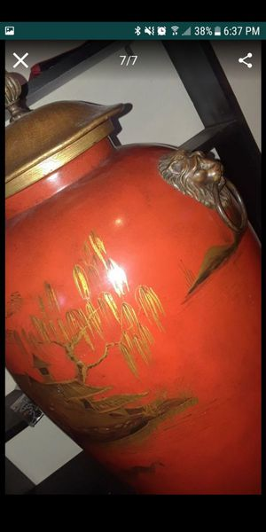 Original Theodore Alexander urn for Sale in Ruskin, FL
