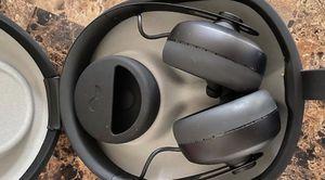 Nura Bluetooth Headphones for Sale in Plant City, FL