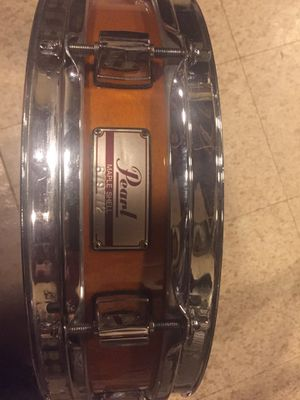 Pearl piccolo snare drum. Excellent condition. Pearl piccolo snare drum - 3x 13 maple shell for Sale in Knoxville, TN