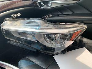 Q50 head light for Sale in Tampa, FL