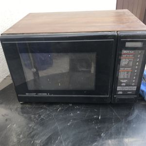 Free Microwave for Sale in Redlands, CA