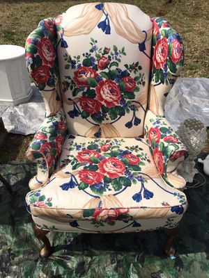 Antique Chair for Sale in Liberty, SC