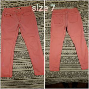 Pink capris size 7 for Sale in Rice, VA